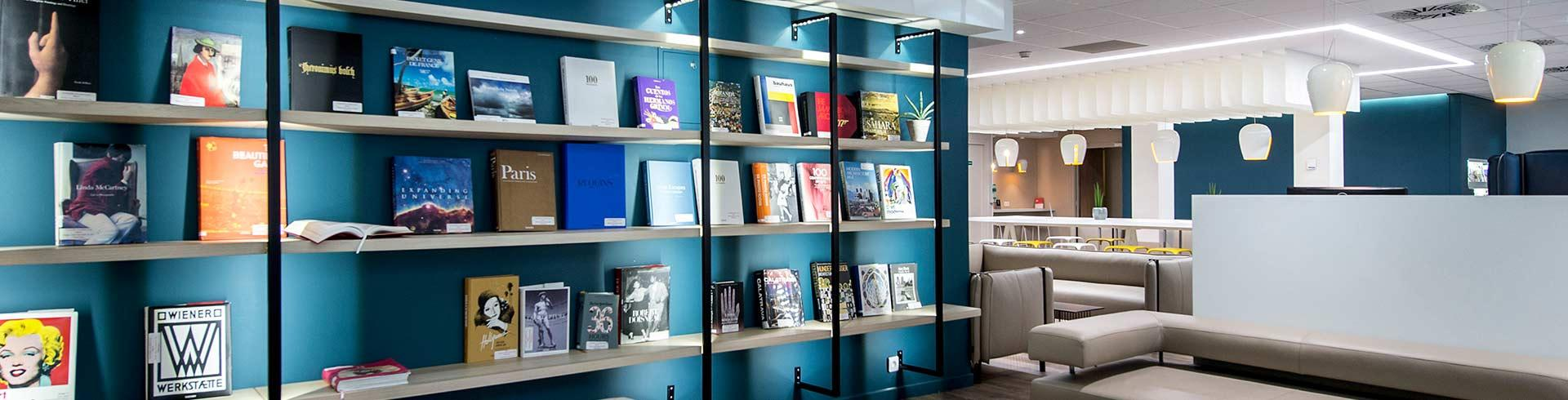 Salon Library Terminal 1