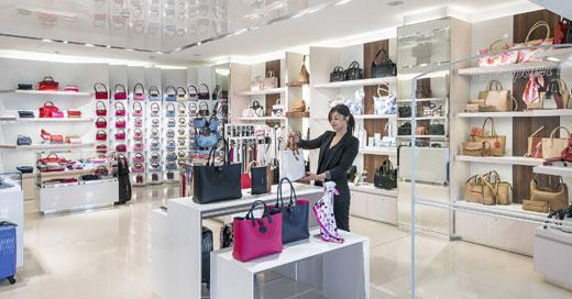 Longchamp Aéroport de Nice Intérieur Boutique