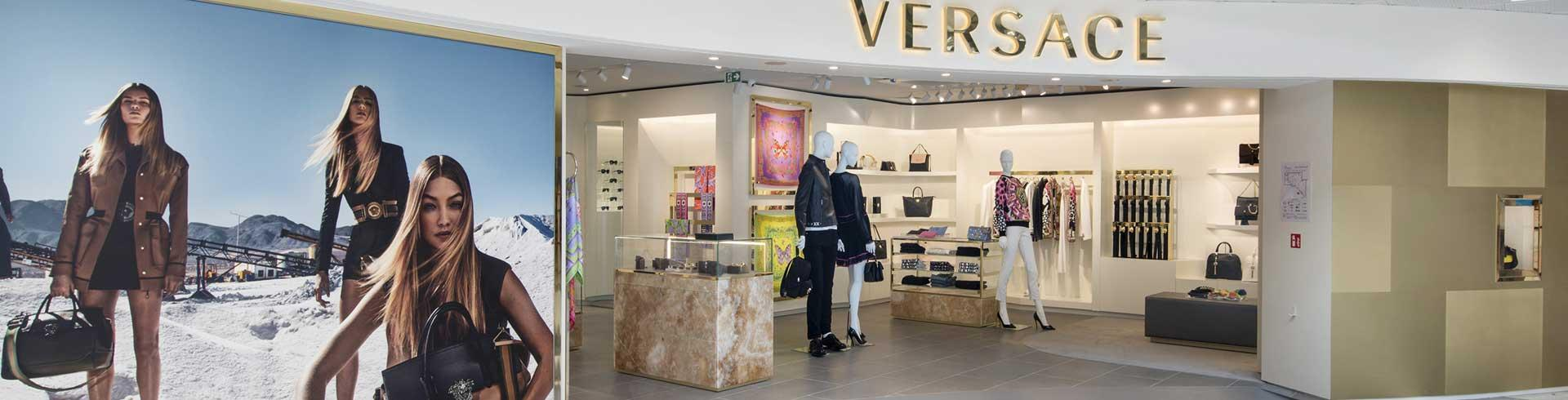 versace fashion accessories terminal 1 shops services la promenade nice airport. Black Bedroom Furniture Sets. Home Design Ideas